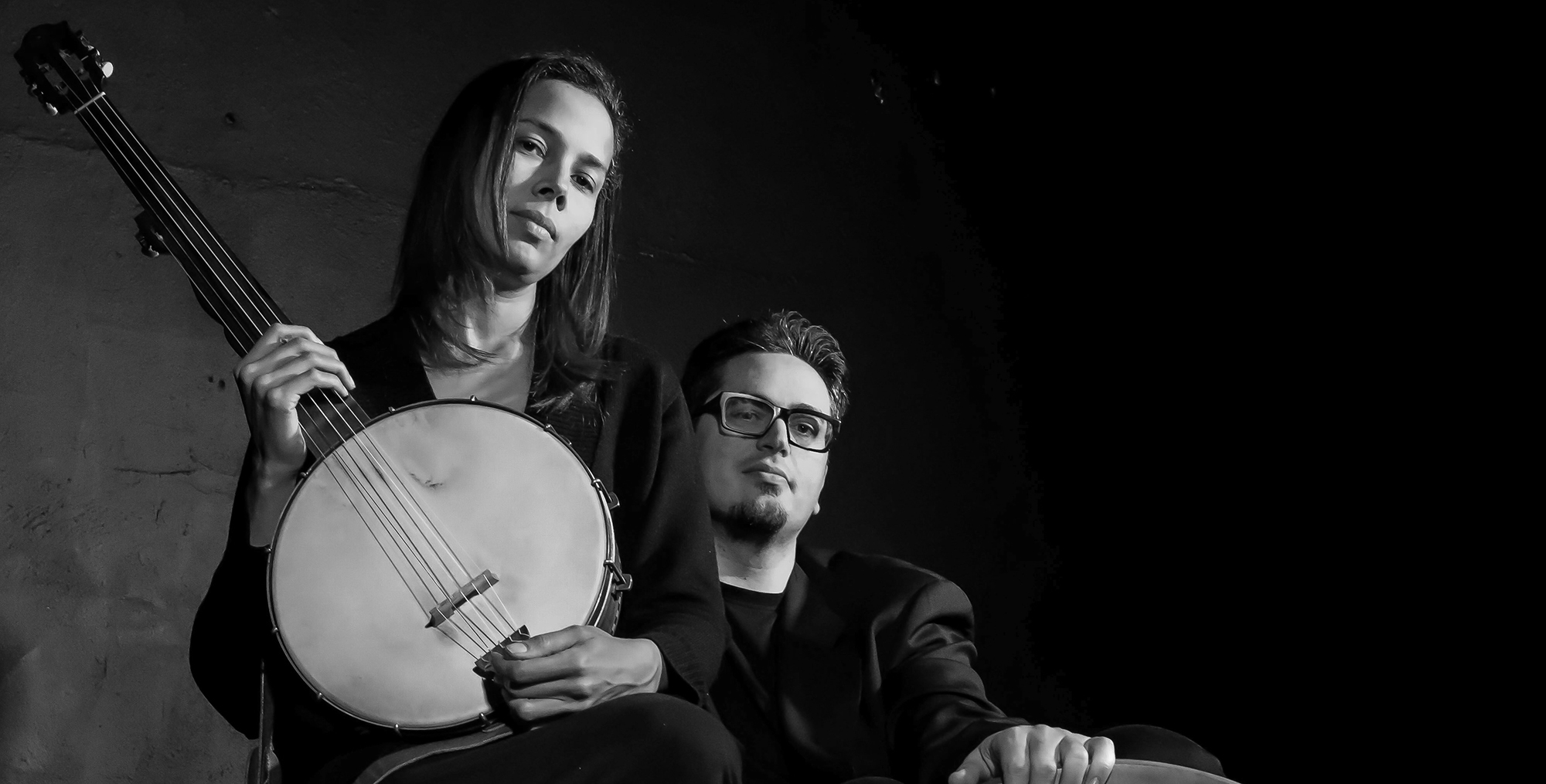 Rhiannon Giddens poses with Francesco Turrisi